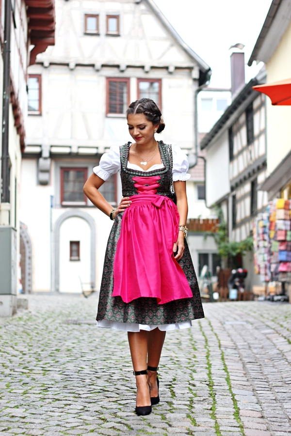 my dirndl outfit for oktoberfest fashionhippieloves. Black Bedroom Furniture Sets. Home Design Ideas