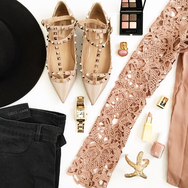 fashionhippieloves-spring-outfit-details-pastels-valentino-rockstud-flats-michaelkors-watch-sheinside-oasis-jeans