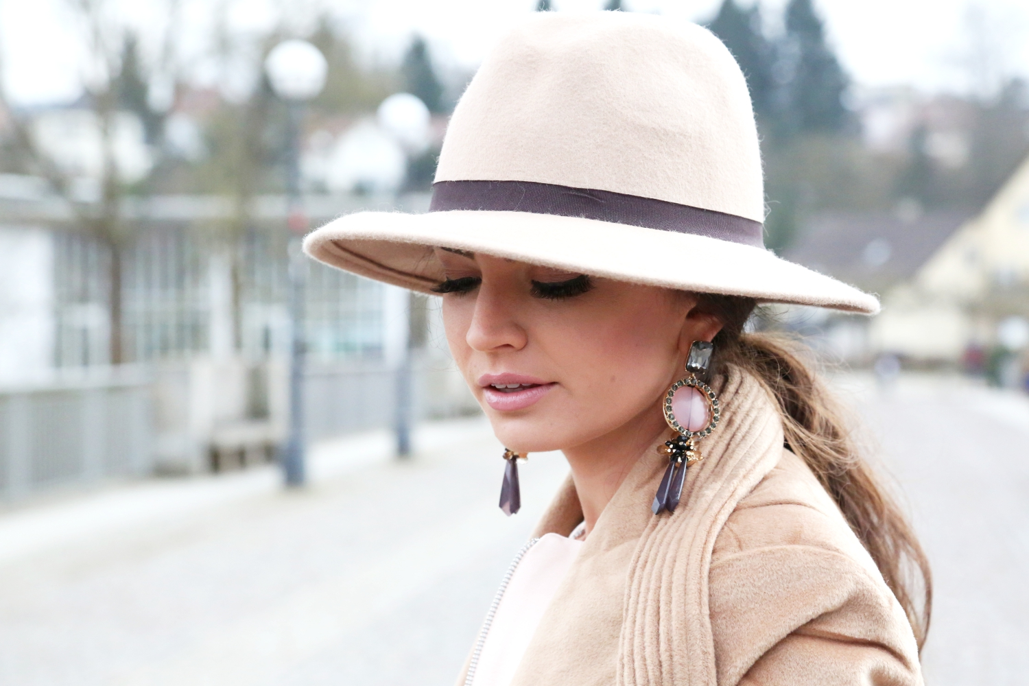 outfit-details-hat-camel-earrings-fashionhippieloves