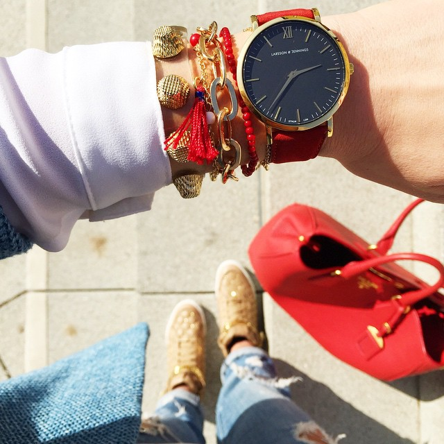outfit-details-larsson-jennings-watch-michaelkors-essex-sneakers-prada-bag-red-armcandy