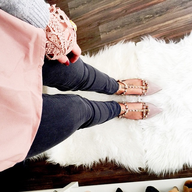 outfit-details-valentino-rockstud-nude-pastel-outfit