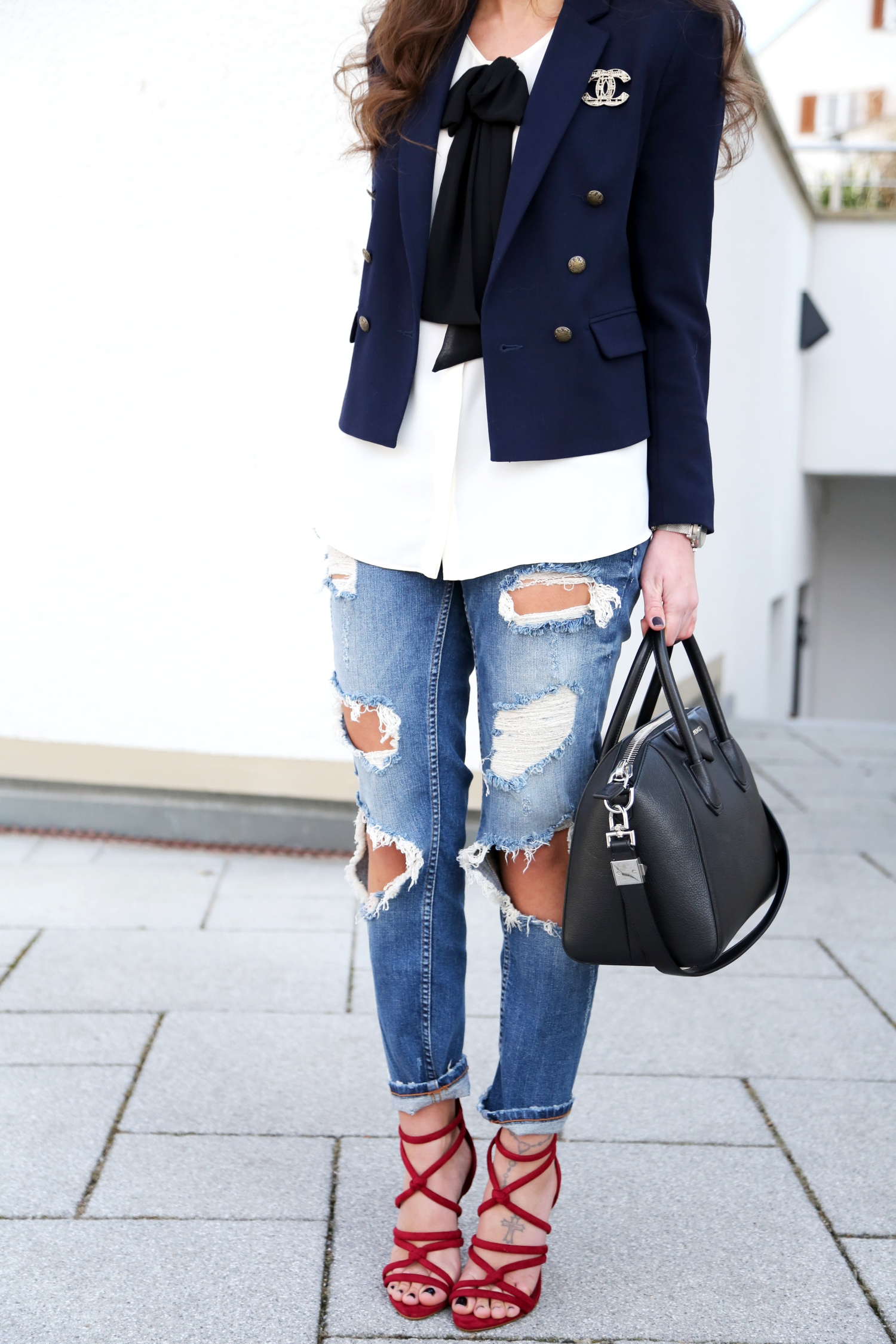 outfit-fashionhippieloves-details-black-and-wgite-blouse-zara-military-blazer-topshop