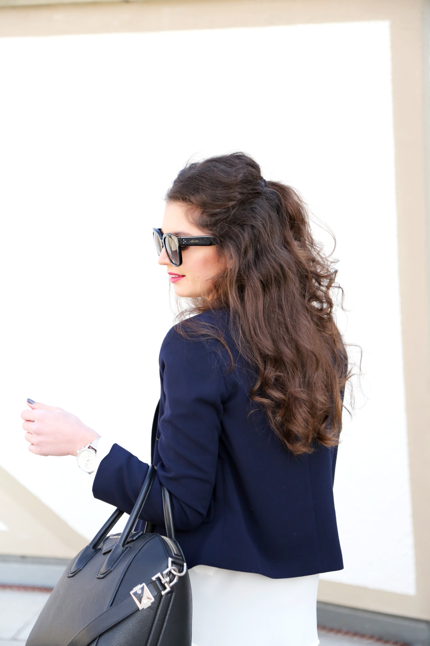 outfit-givenchy-antigona-bag-celine-new-audrey-sunglasses-topshop-military-blazer