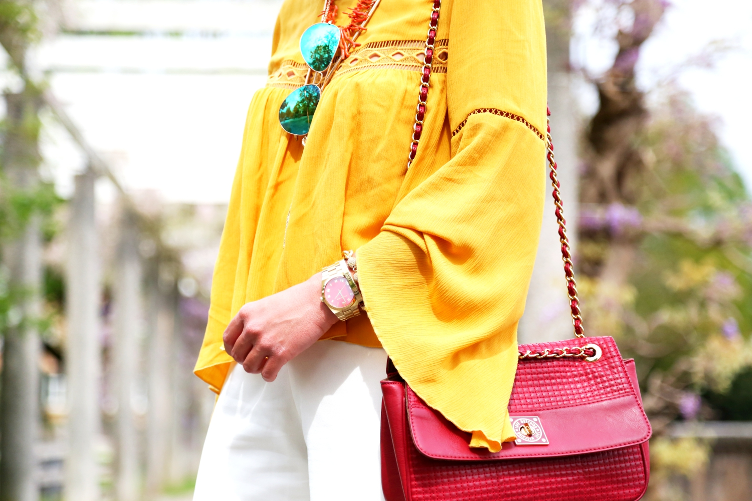 outfit-details-love-moschino-bag-yellow-blouse-michaelkors-watch