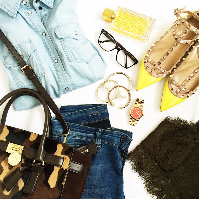 outfit-details-valentino-rockstud-yellow-flats-michaelkors-bag-denim-look