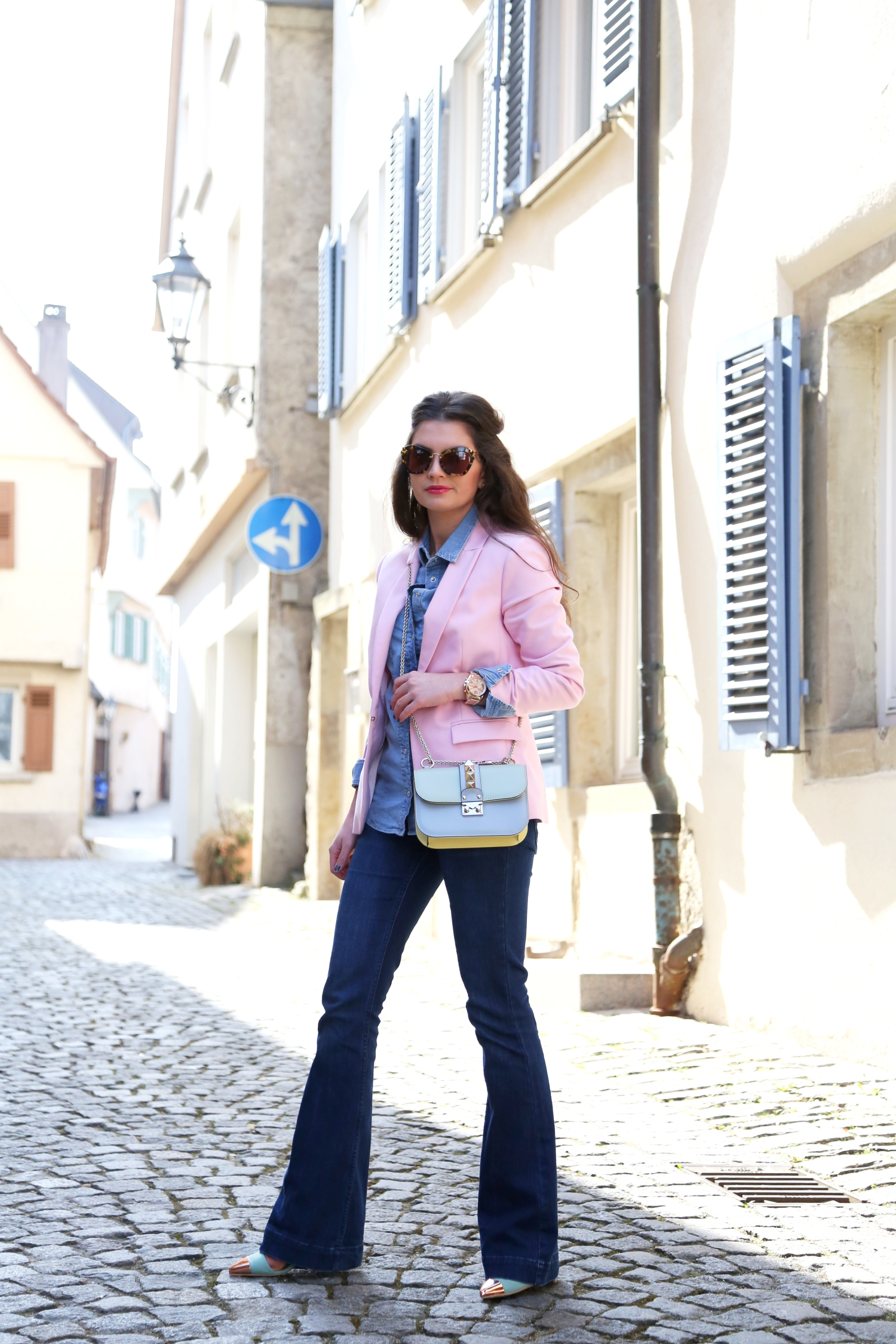outfit-fashionhippieloves-flared-jeans-glam-lock-bag