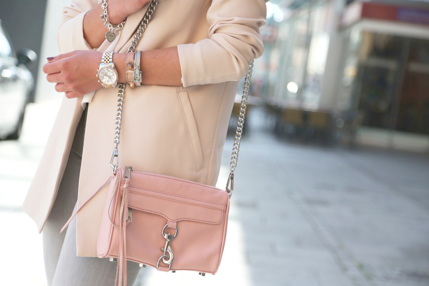 outfit-fashionhippieloves-pastel-spring-details-rebeccaminoff-mini-mac-primerose-nude-blazer-silver