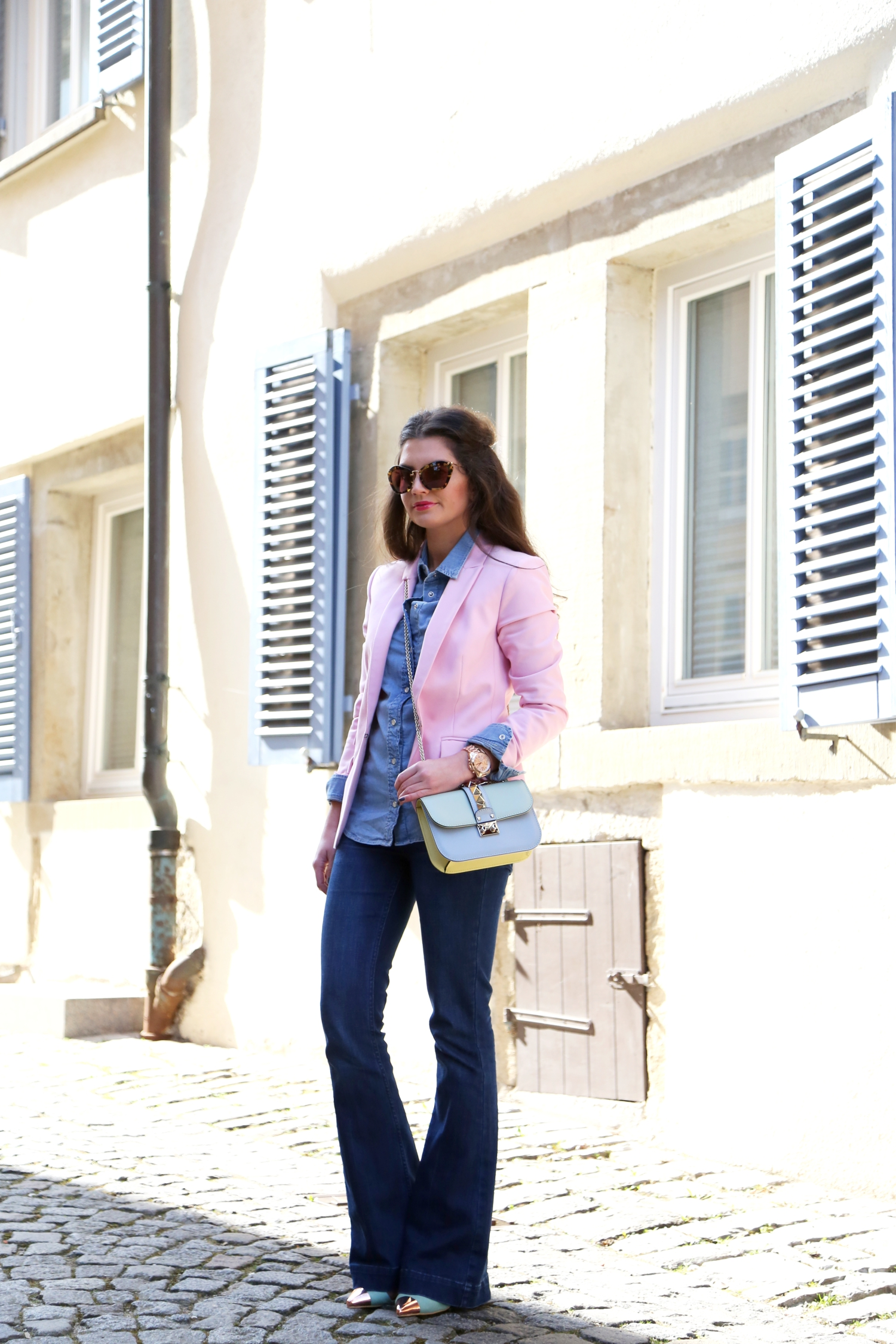 outfit-flared-jeans-hallhuber-valentino-bag-fashionhippieloves