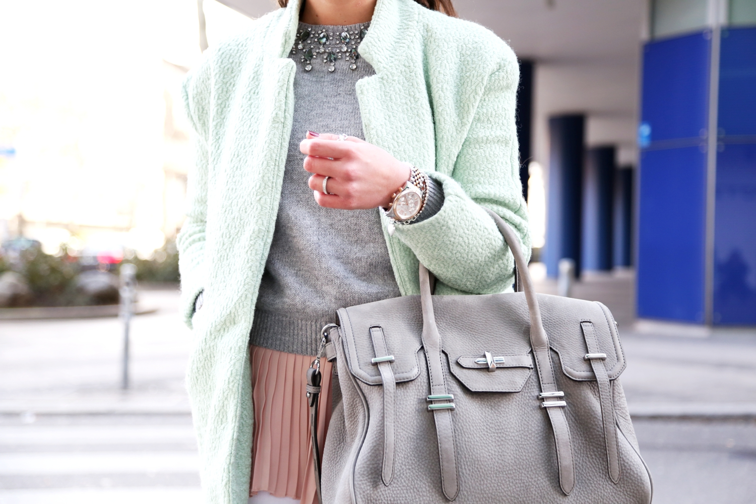 outfit-spring-pastels-rebeccaminkoff-jules-satchel-grey-michaelkors-lexington-watch