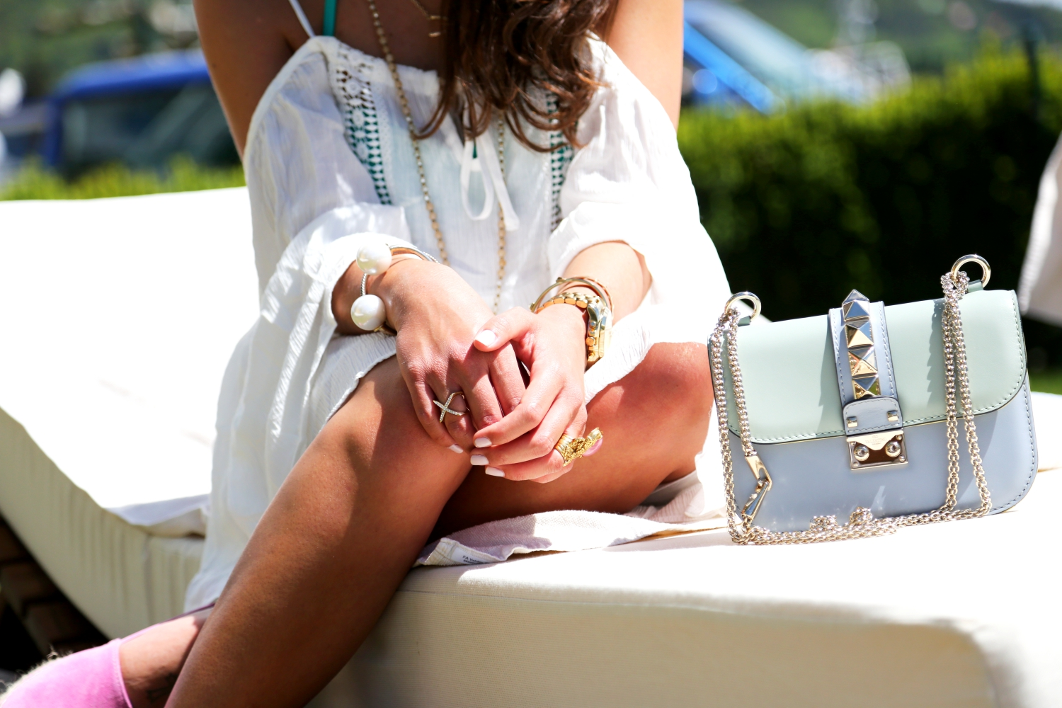 outfit-details-beach-spa-look-valentino-glam-lock-bag-pastels-watercolors-espadrilles-jewelry-ysl-arty-ring
