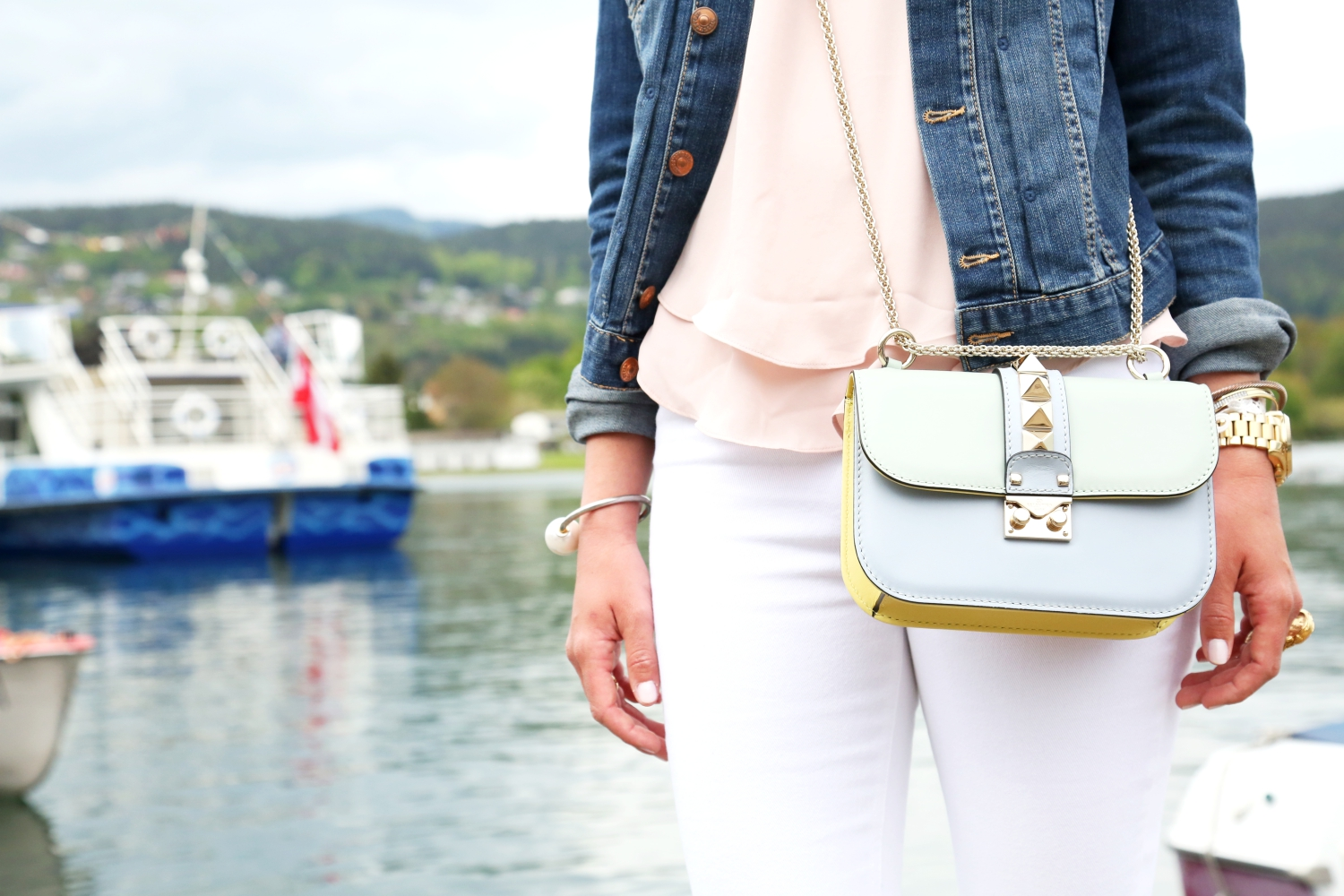 outfit-valentino-glam-lock-bag-watercolor-pastels