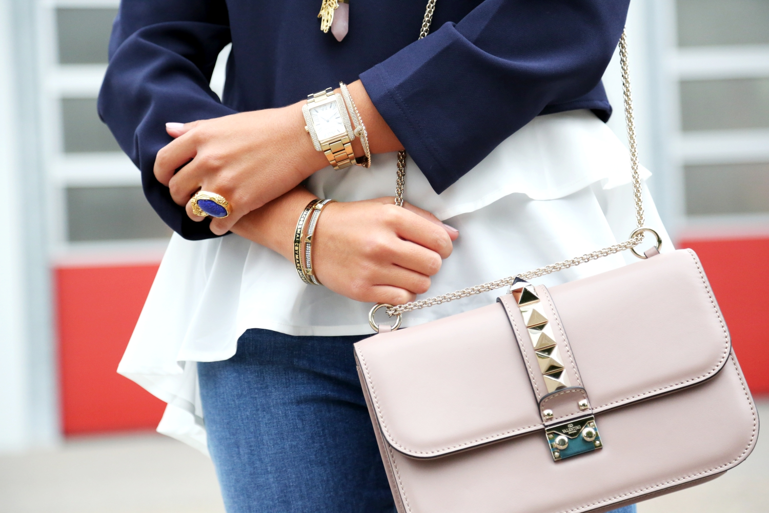 nikkie-look-valentino-garavani-glam-lock-bag-michaelkors-watch