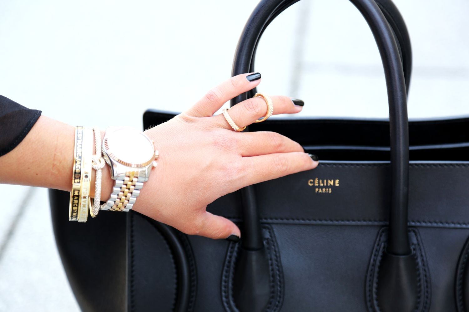 outfit-armcandy-jewelry-marcjacobs-michaelkors-celine-luggage