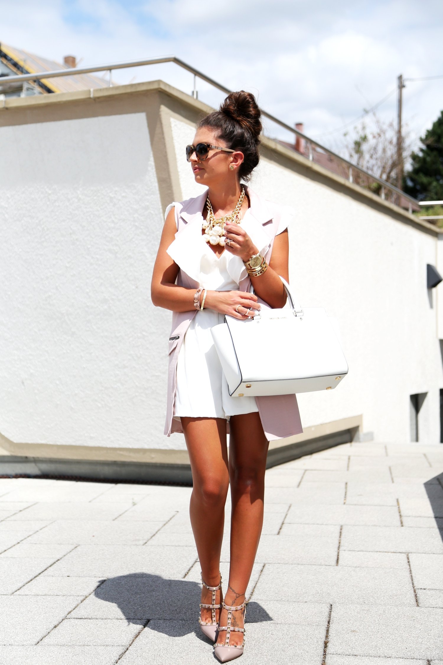 outfit-fashionhippieloves-valentino-rockstud-michaelkors-selma