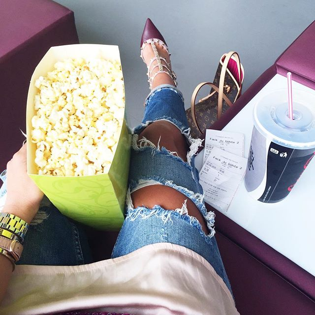 fashionhippieloves-casual-outfits-cinema-valentino-rockstuds-oxblood-louis-vuitton-neverfull-bag