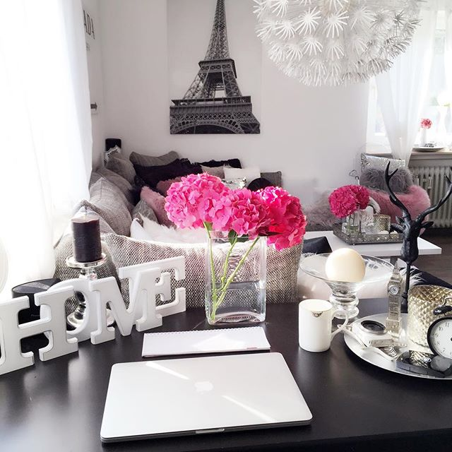 living-room-fashionhippieloves-desk-situation