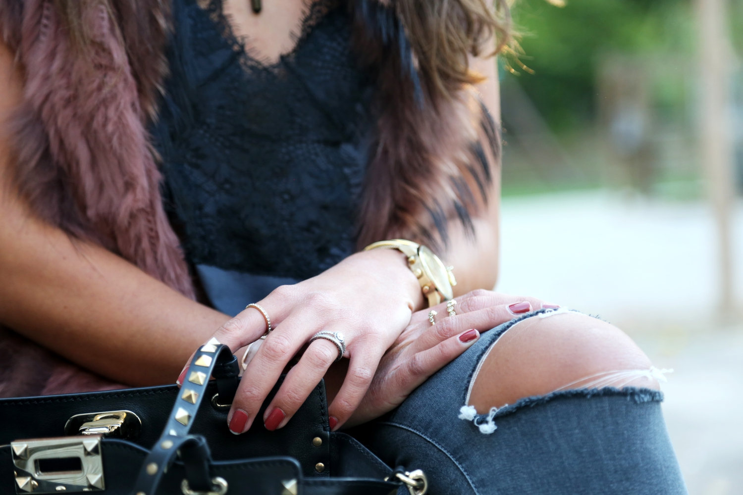 outfit-details-fashionhippieloves-fall-look-details-valentino-bag-rings