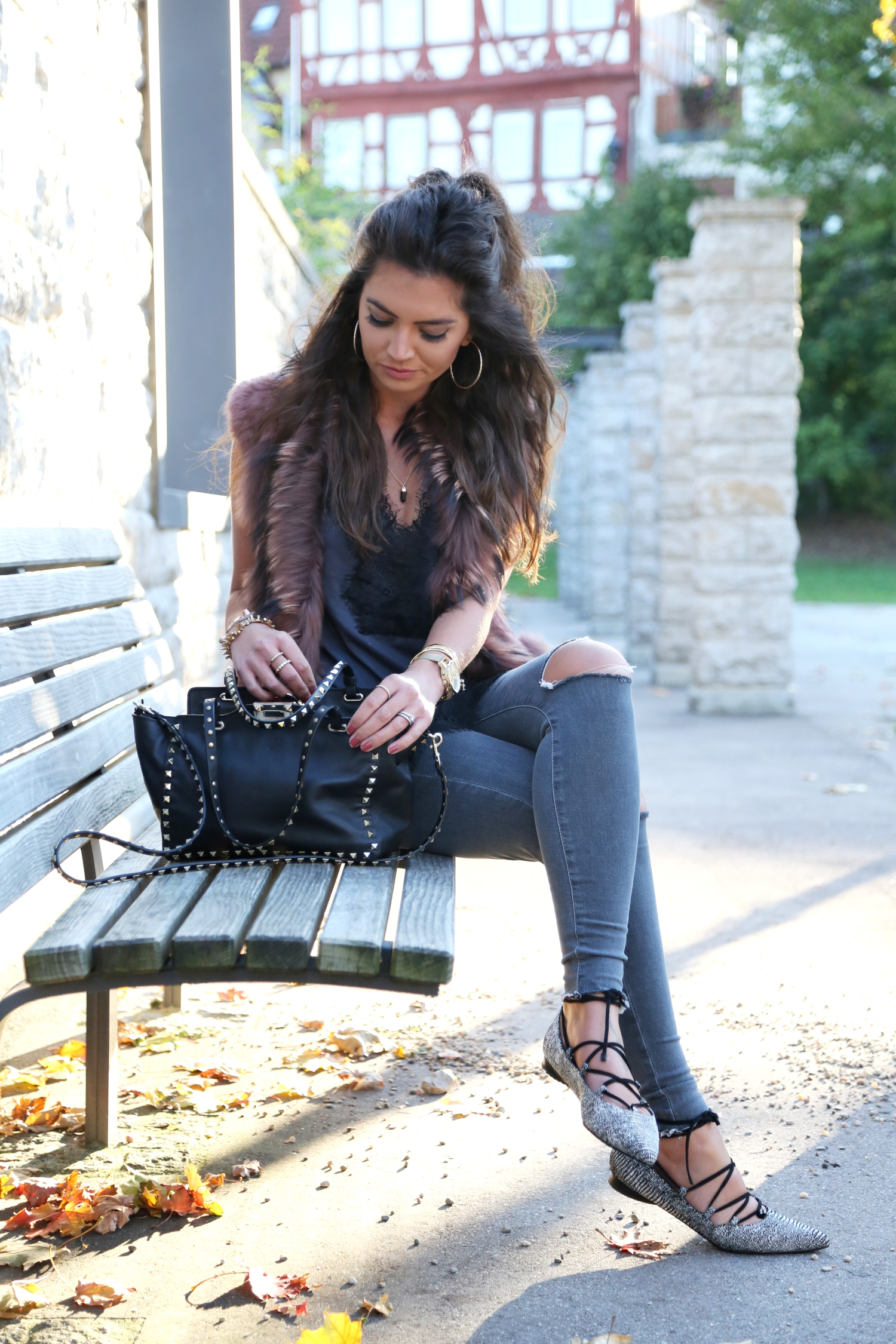 outfit-topshop-jeans-valentino-bag-fall-look