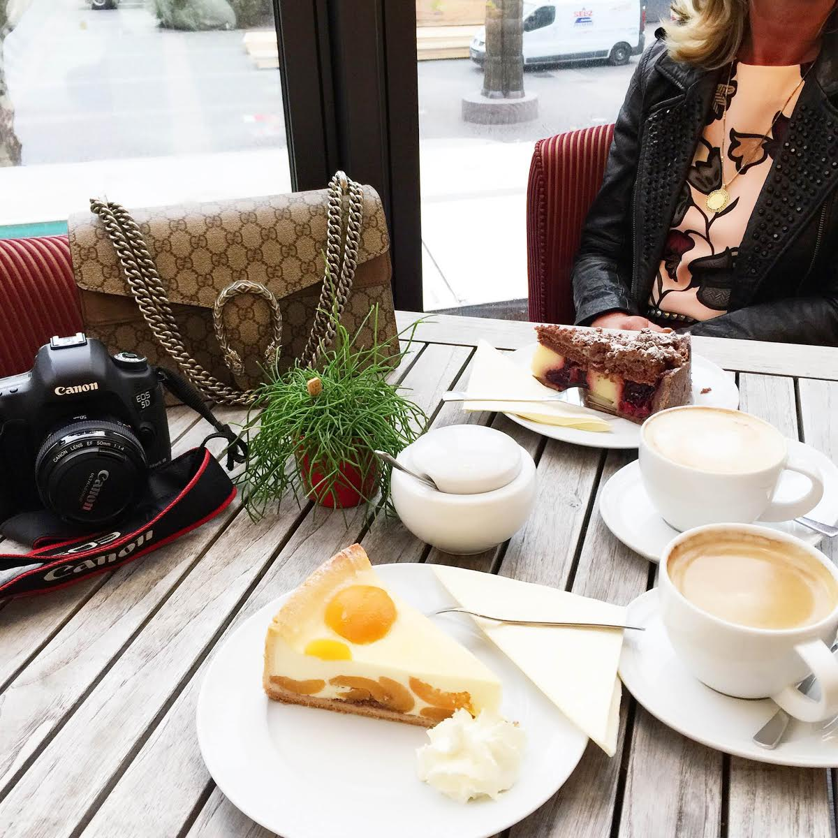 coffee-date-gucci-bag