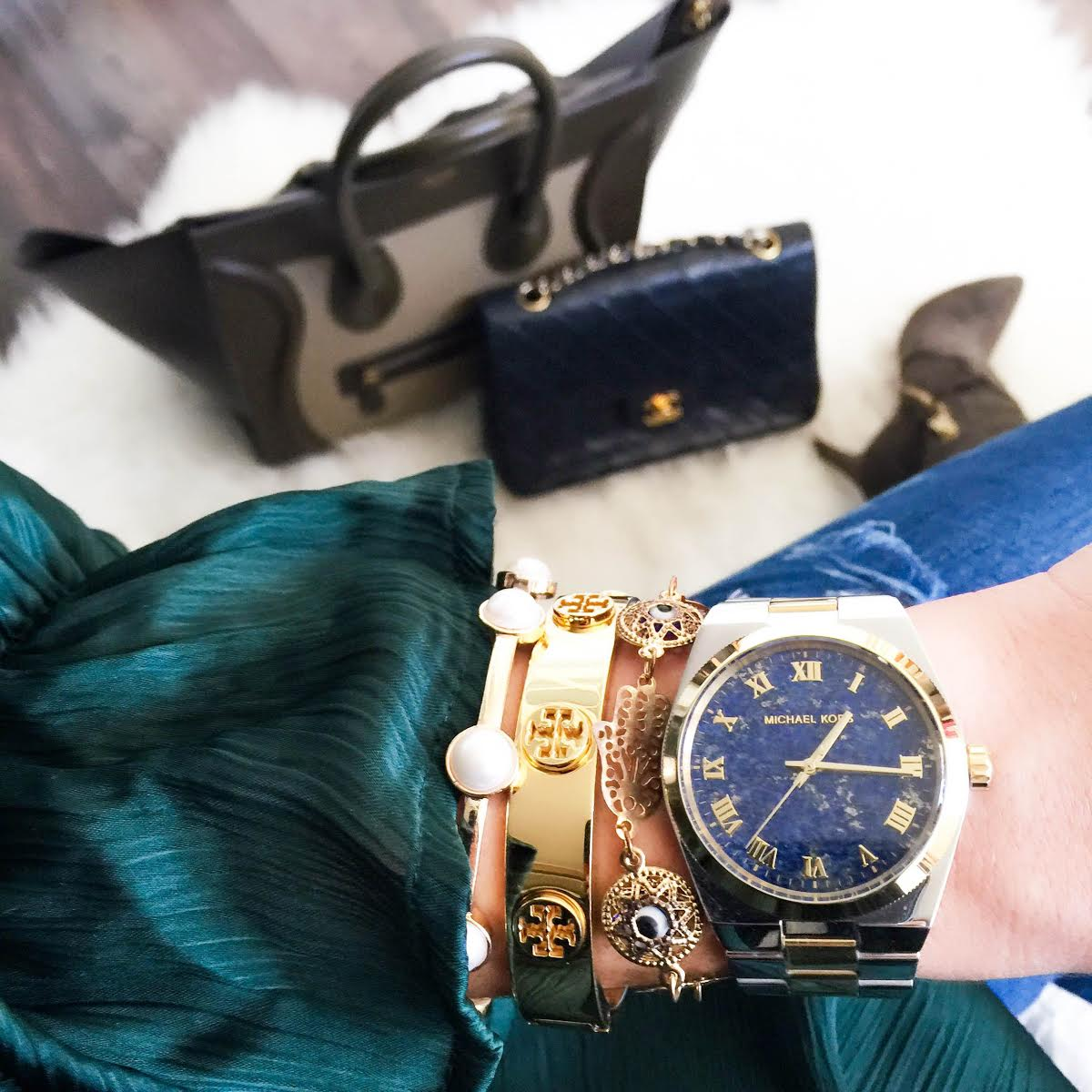 details-outfit-michaelkors-watch