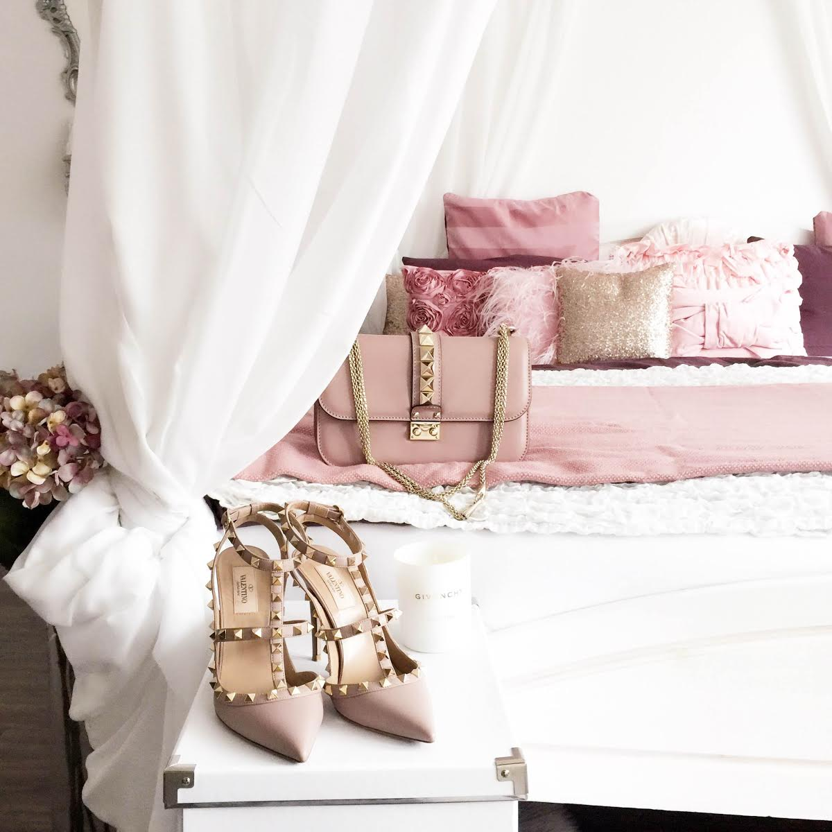 fashionhippieloves-bedroom-valentino-galm-lock-bag-rockstud-heels-nude