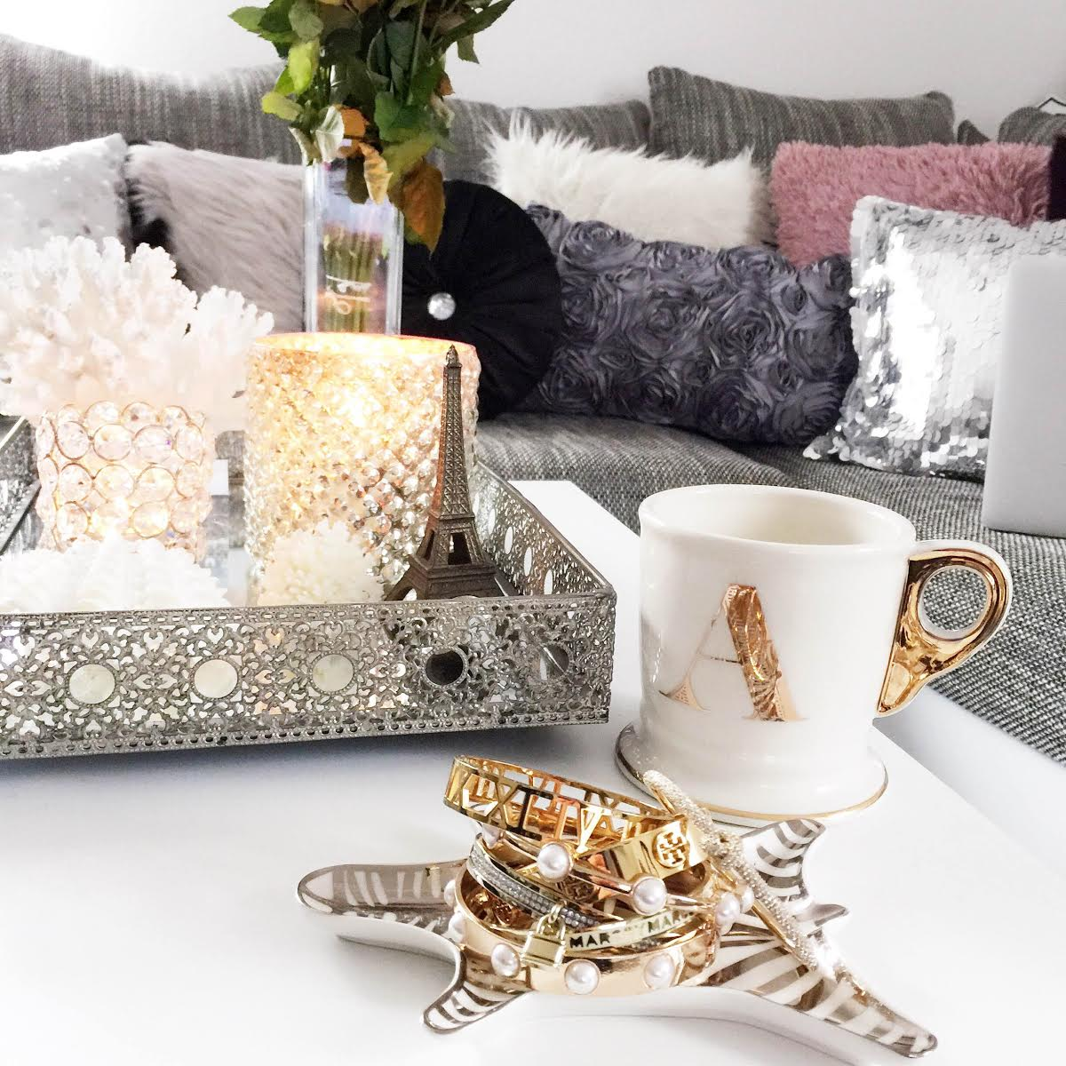 fashionhippieloves-living-room-a-mug-jewelry