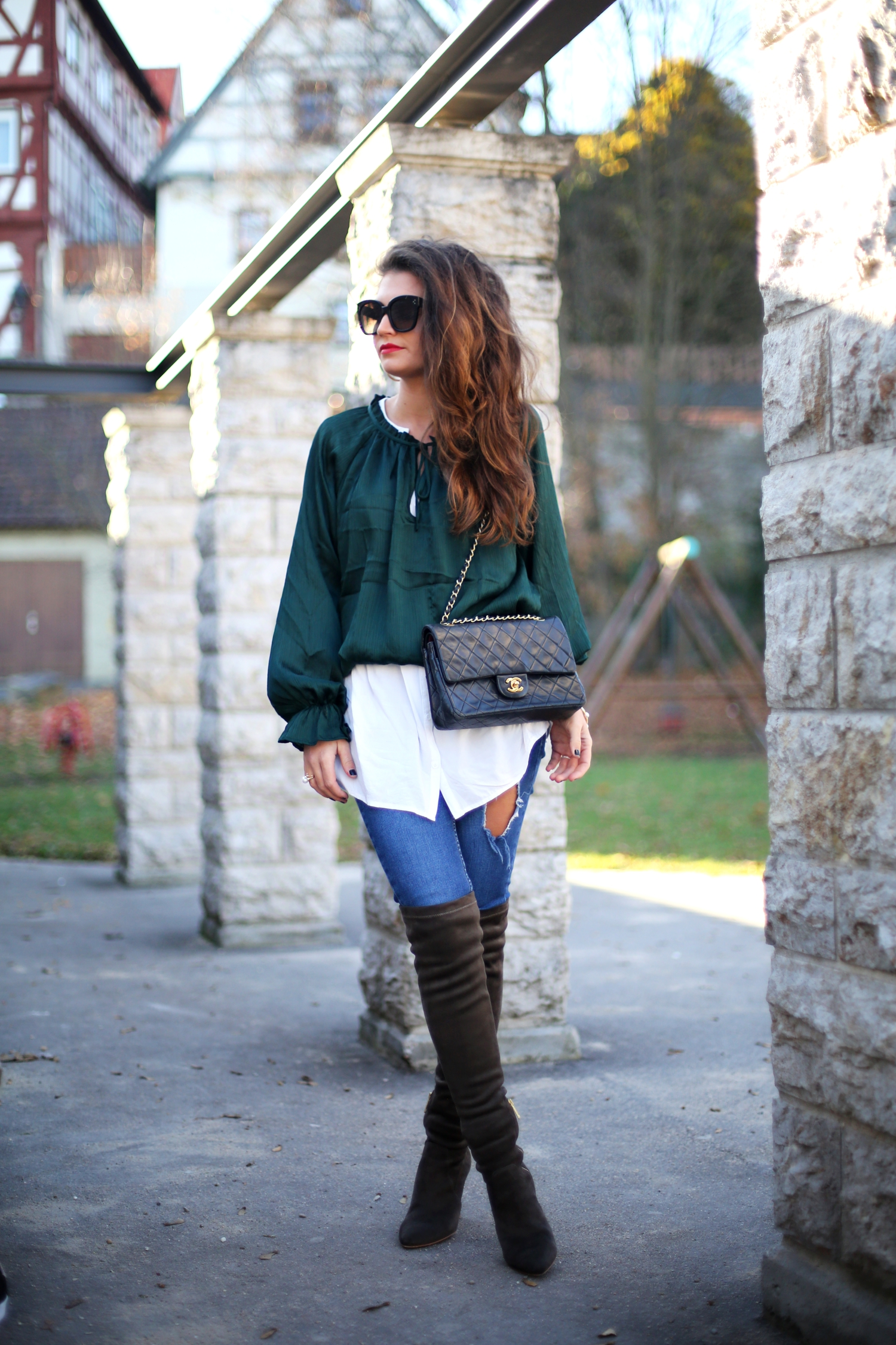 outfit-fashionhippieloves-celine-sunglasesoverknees-chanel-bag