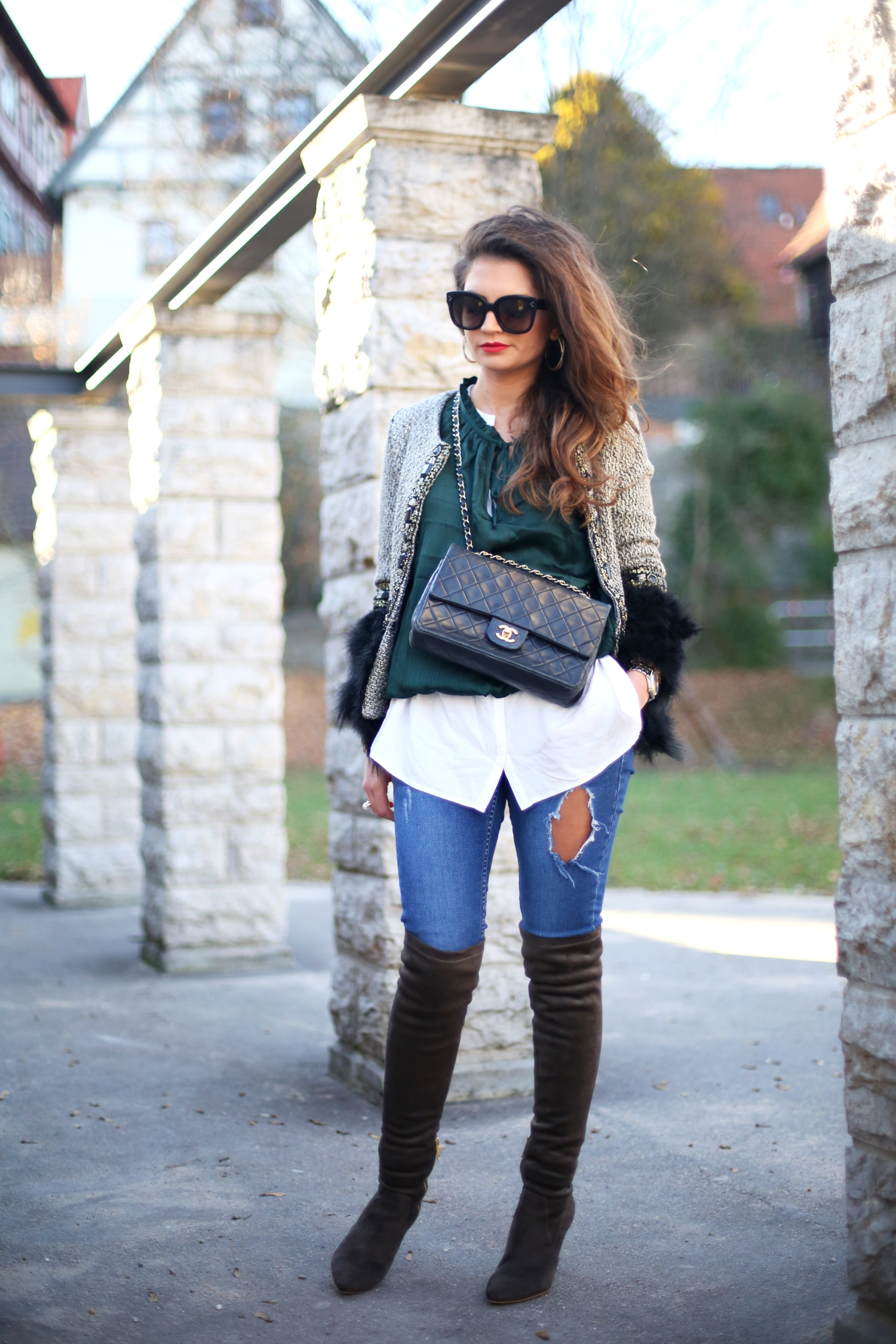 outfit-overknees-ripped-jeans-celine-sunglasses