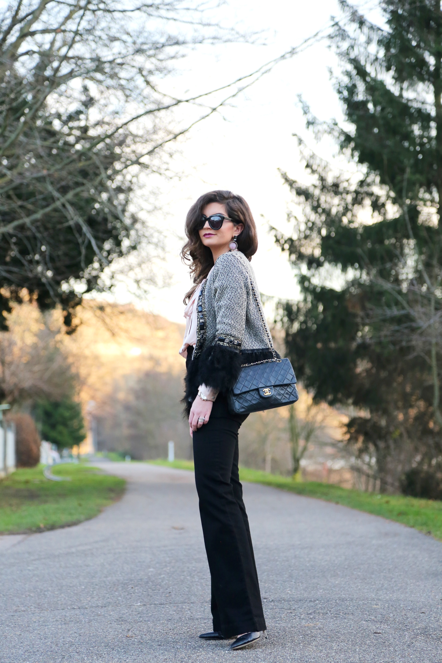 christmas-outfit-flared-jeans-chanel-bag-fashionhippieloves