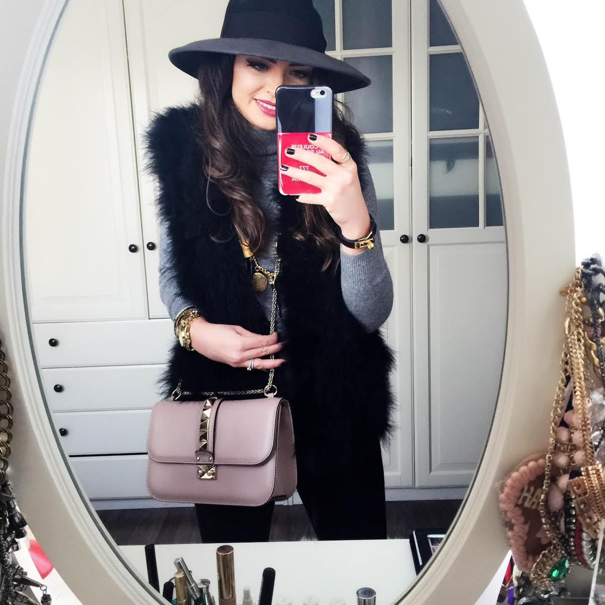 outfit-valentino-bag-iris&ink-hat