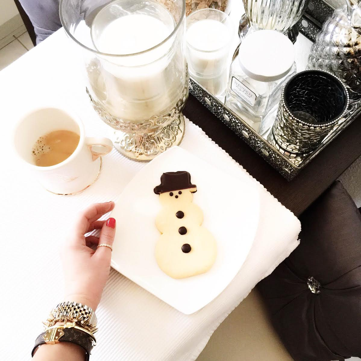 snowman-armparty-louis-vuitton-bracelet-kate-spade-michaelkors-fashionhippieloves-kitchen