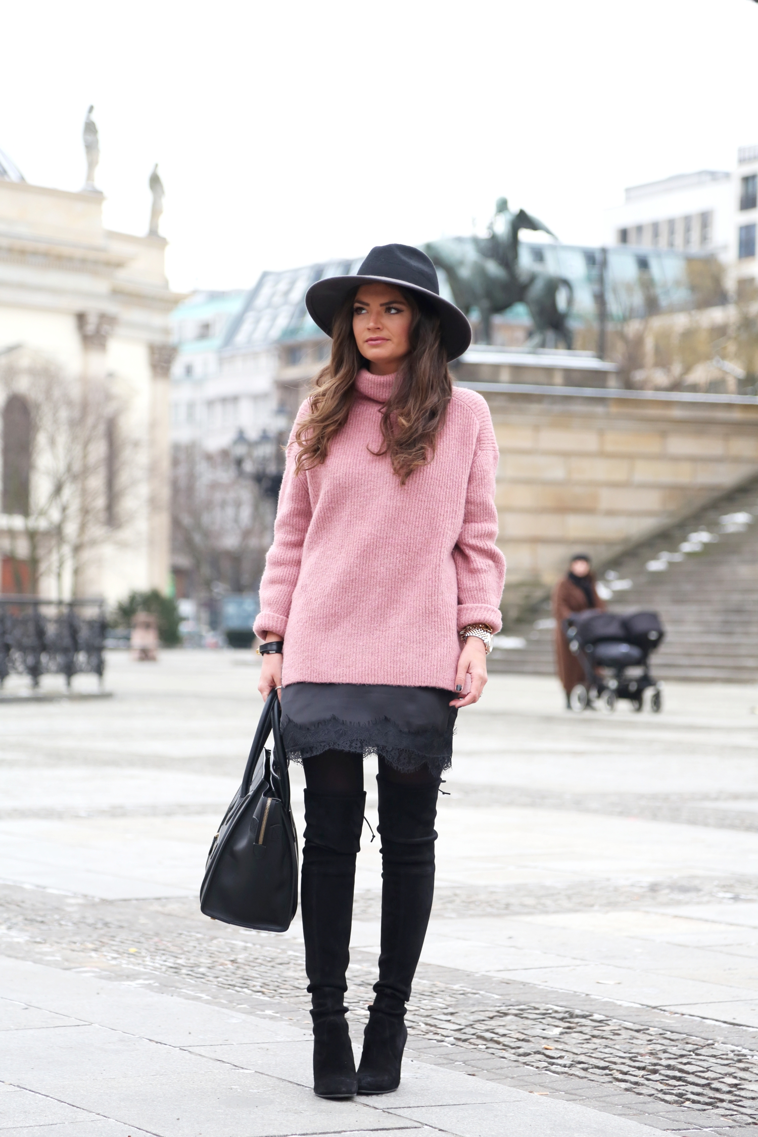 berlin-fashion-week-outfit-fashionhippieloves-german-fashionblogger-overknees-knit