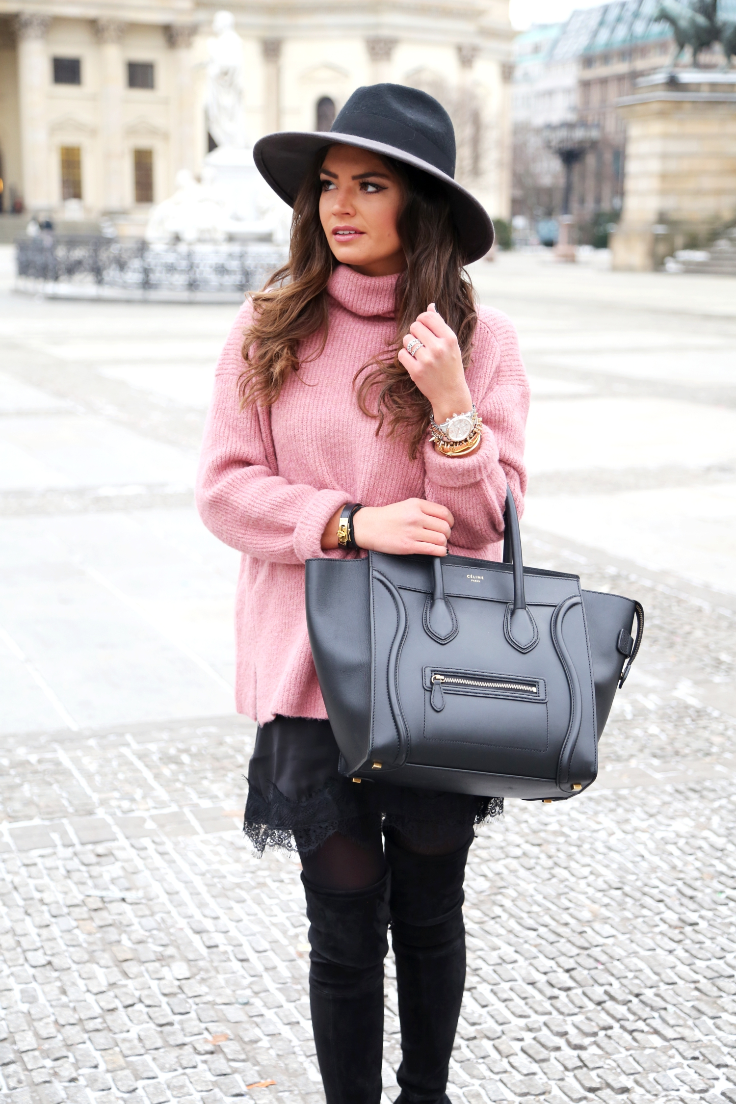 berlin-fashion-week-winter-look-fashionhippieloves-celine-luggage-bag