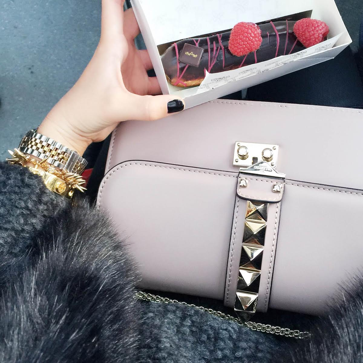 glam-lock-bag-valentino-outfit-details
