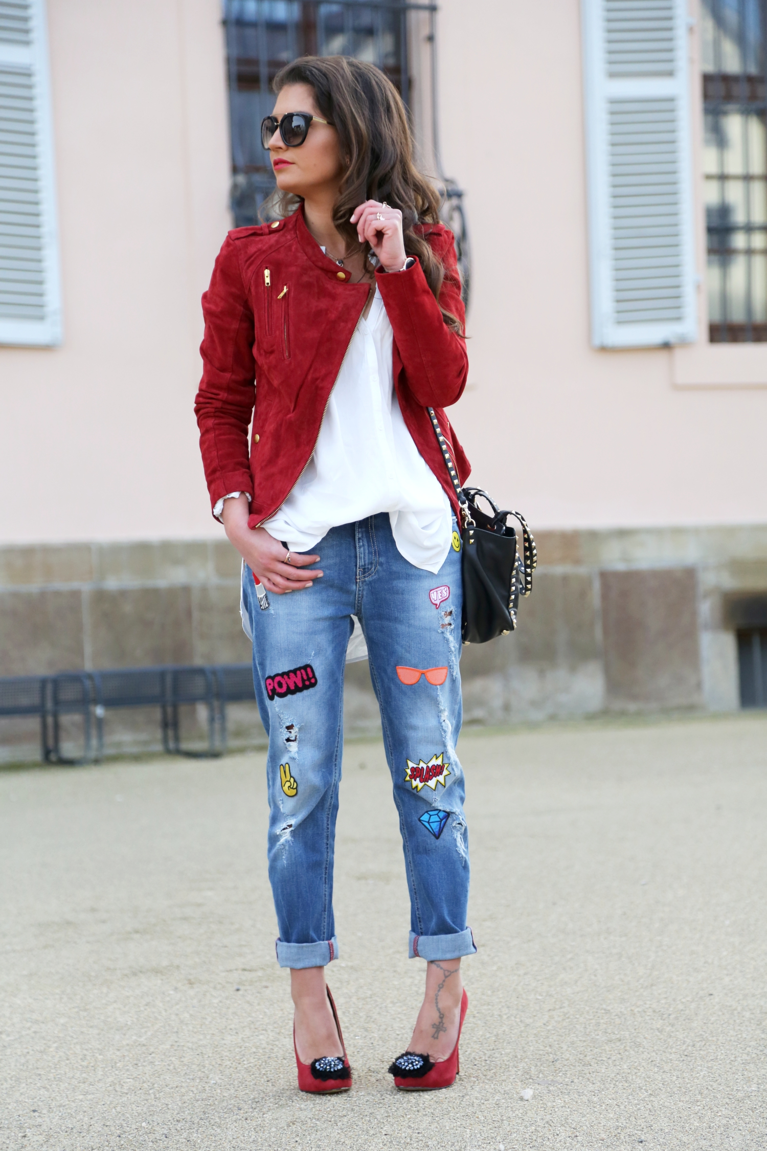 outfit-edited-jeans-red-leather-jacket
