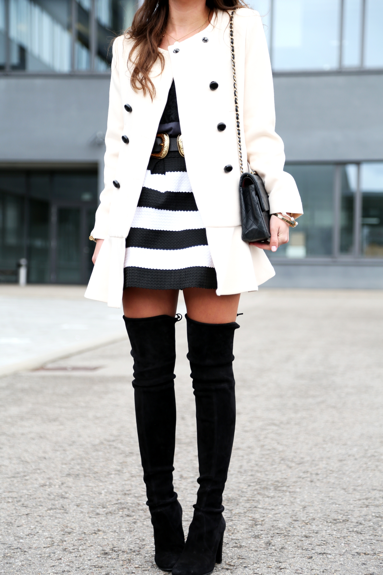 outfit-coat-spring-overknees-chaneö