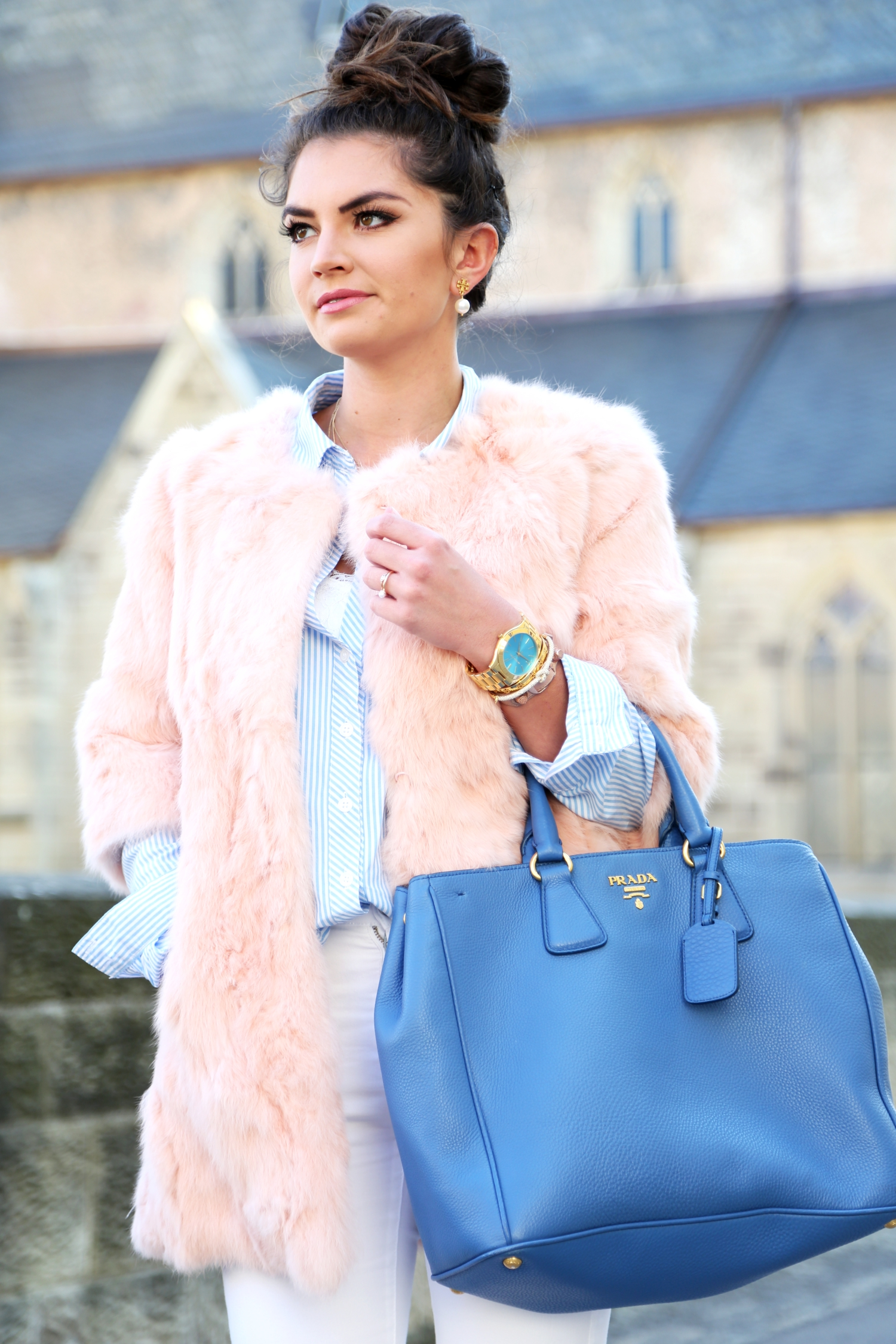 outfit-fashionhippieloves-faux-coat-prada-bag