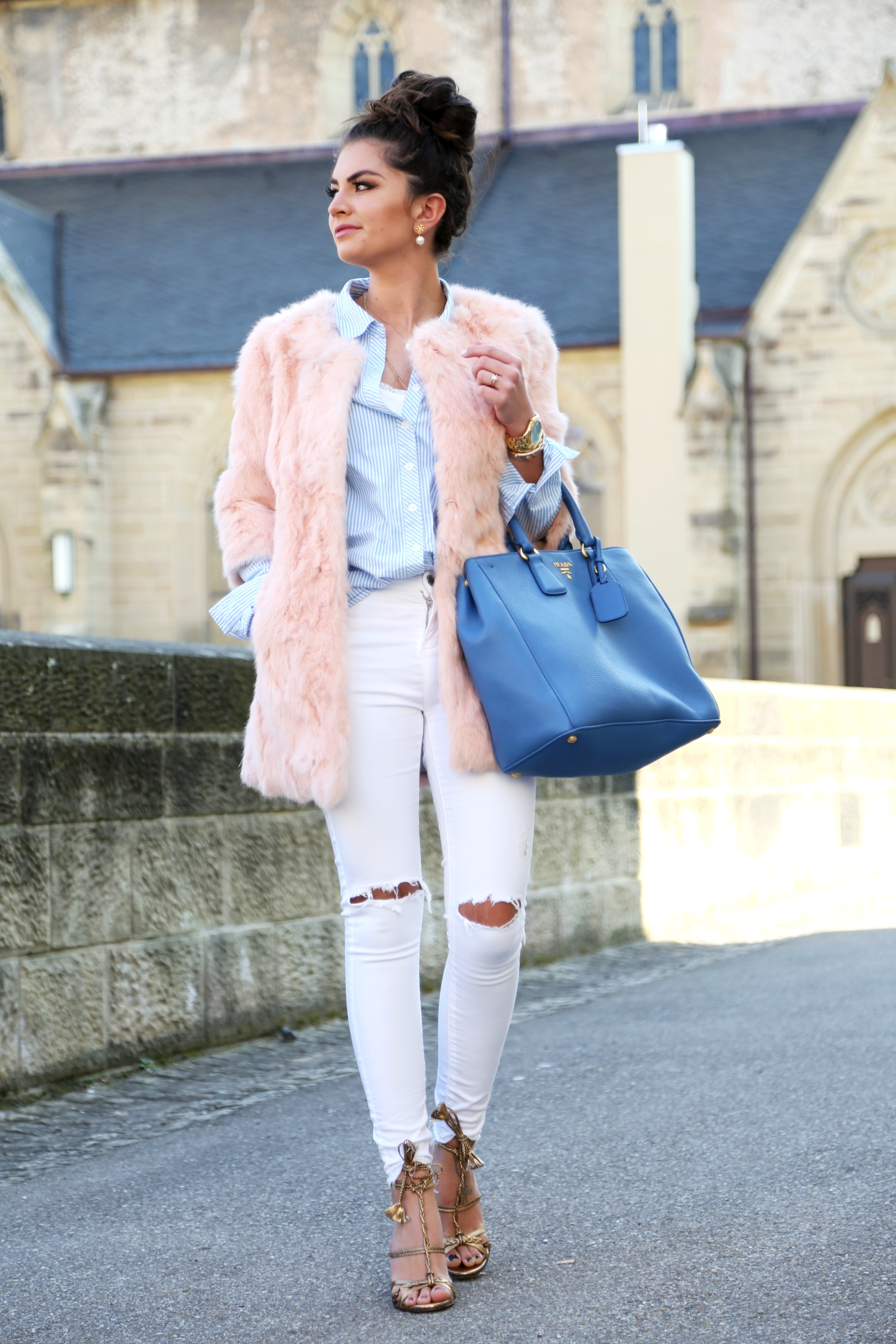 outfit-fashionhippieloves-prada-bag-white-ripped-jeans-faux-fur-coat