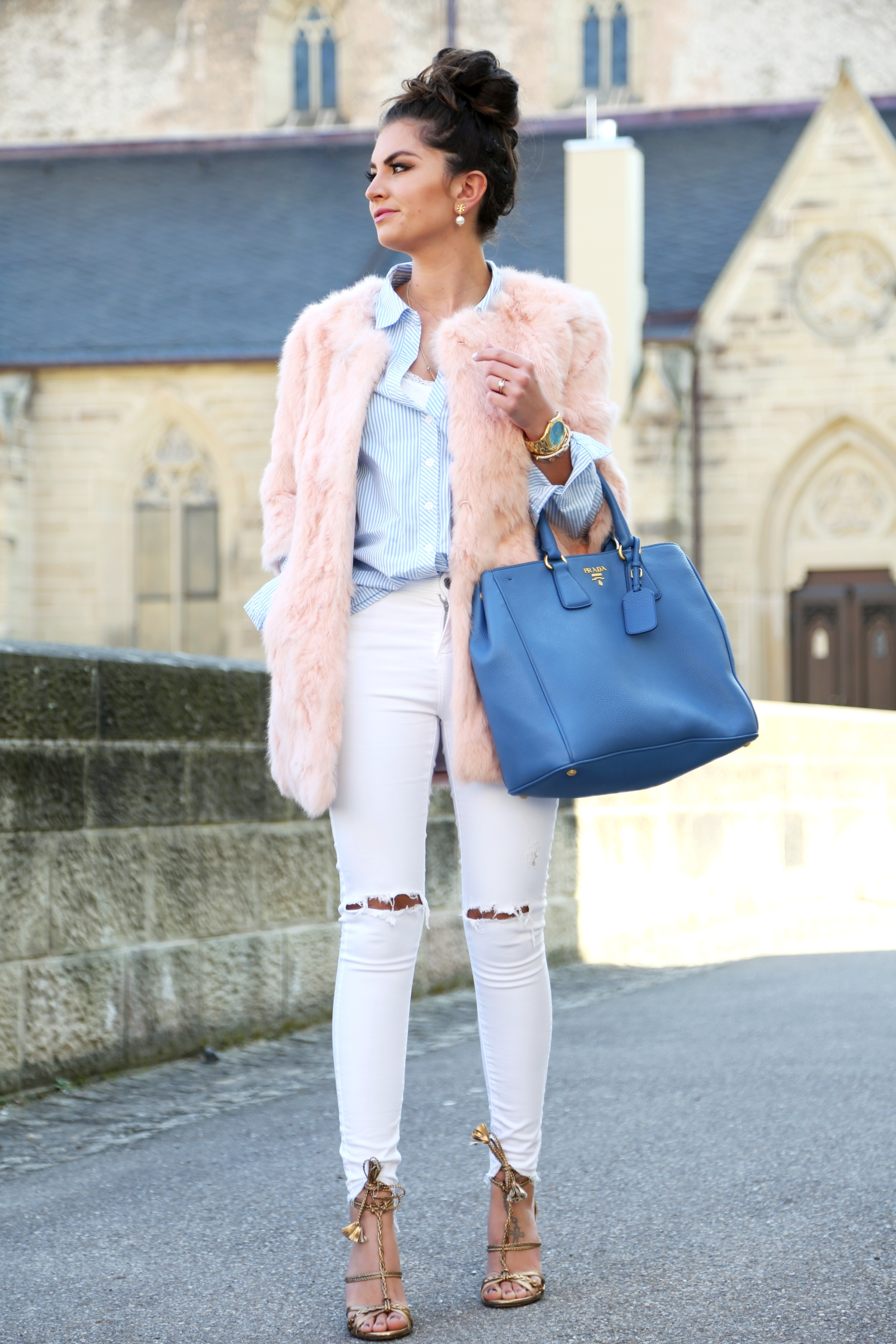 outfit-fashionhippieloves-spring-look-prada-bag-white-ripped-jeans