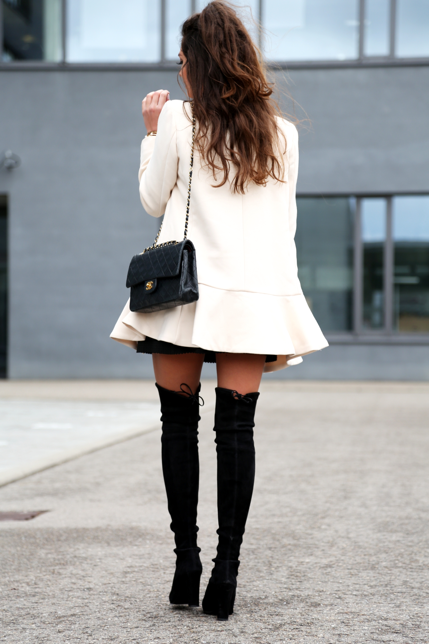outfit-overknees-spring-look-chanel-bag