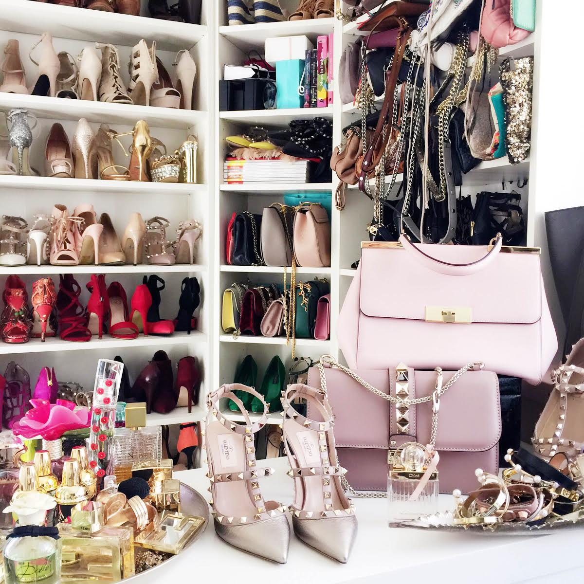 fashionhippieloves-walk-in-shoe-closet-bags