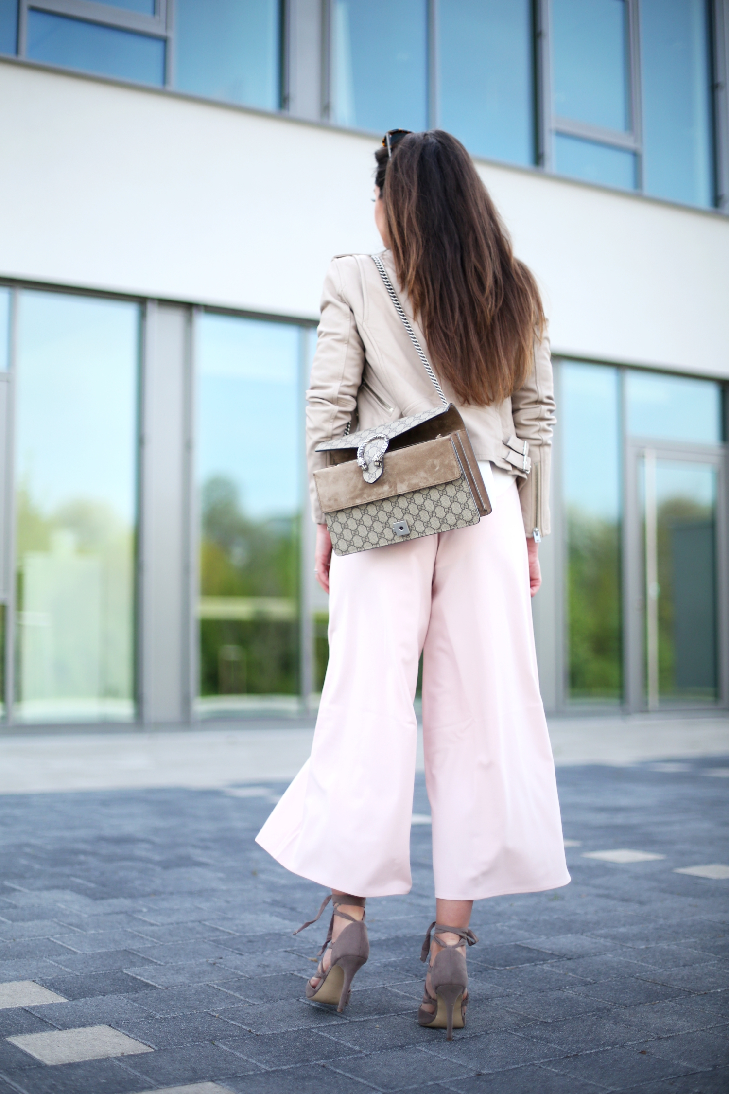 outfit-culotte-leather-jacket-gucci-bag