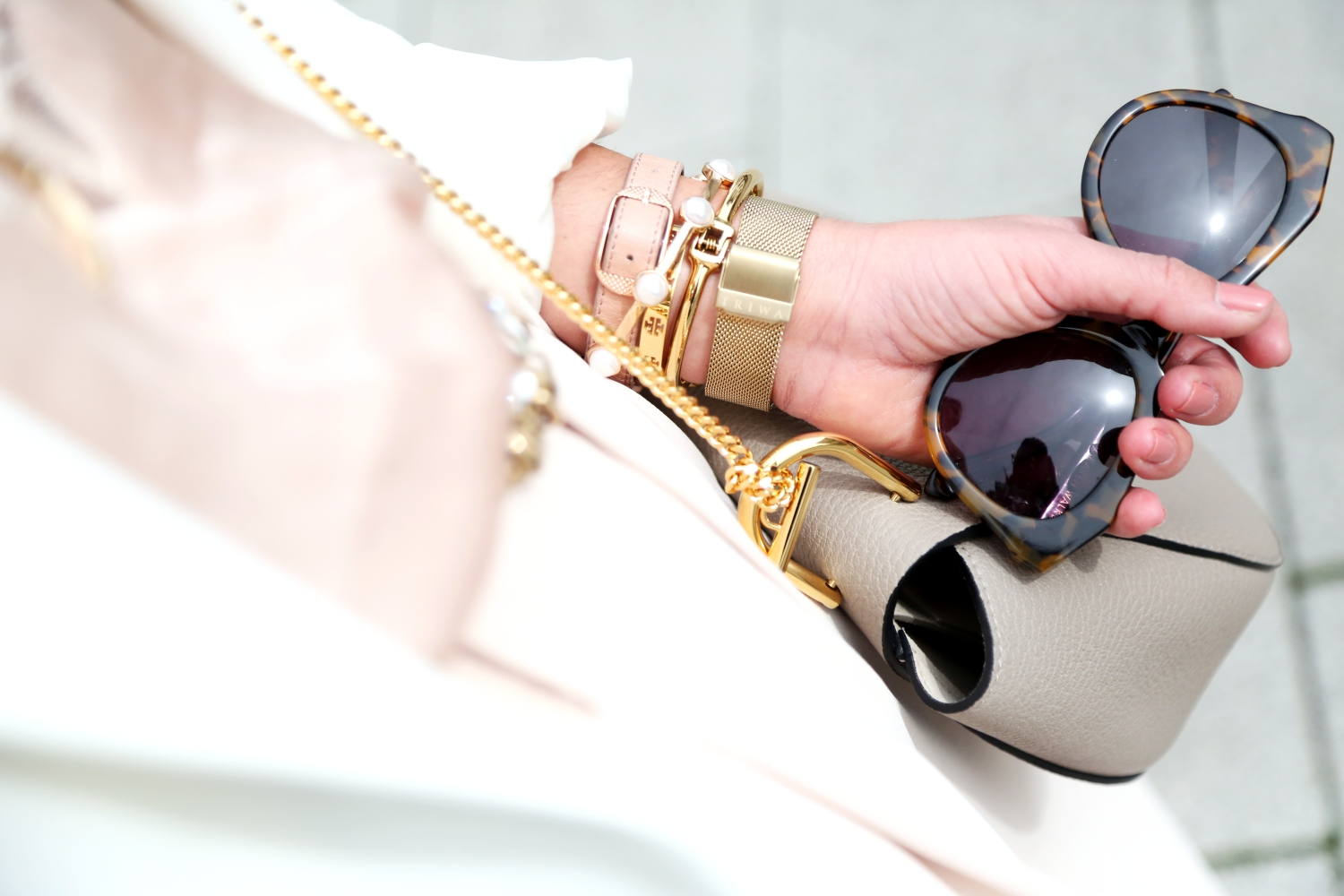 outfit-details-fashionhippieloves-pastel-look-karen-walker-sunglasses