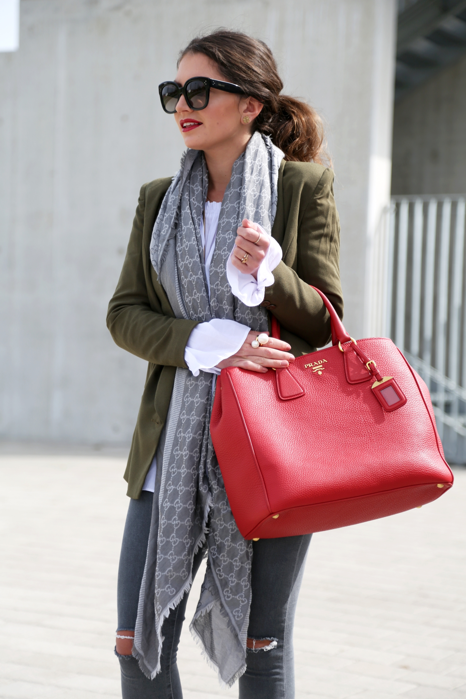 outfit-fashionhippieloves-german-fashionblogger-off-shoulder-prada-bag-celine-sunglasses-gucci-scarf