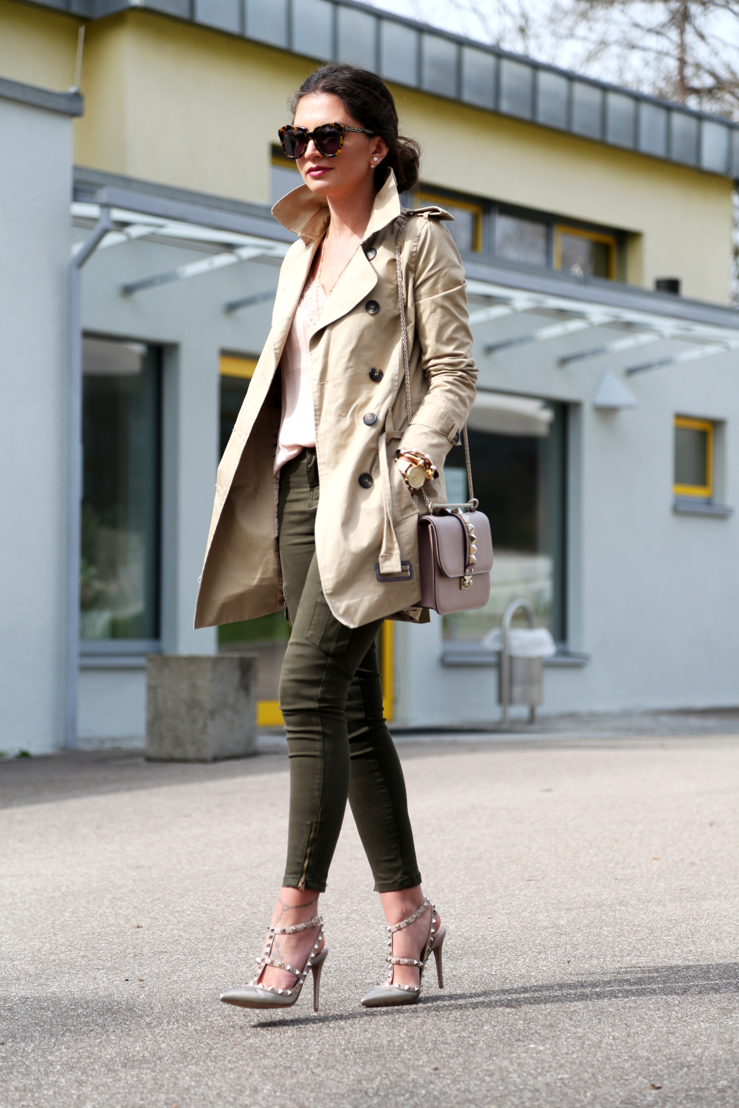 outfit-fashionhippieloves-trenchcoat-military-pants