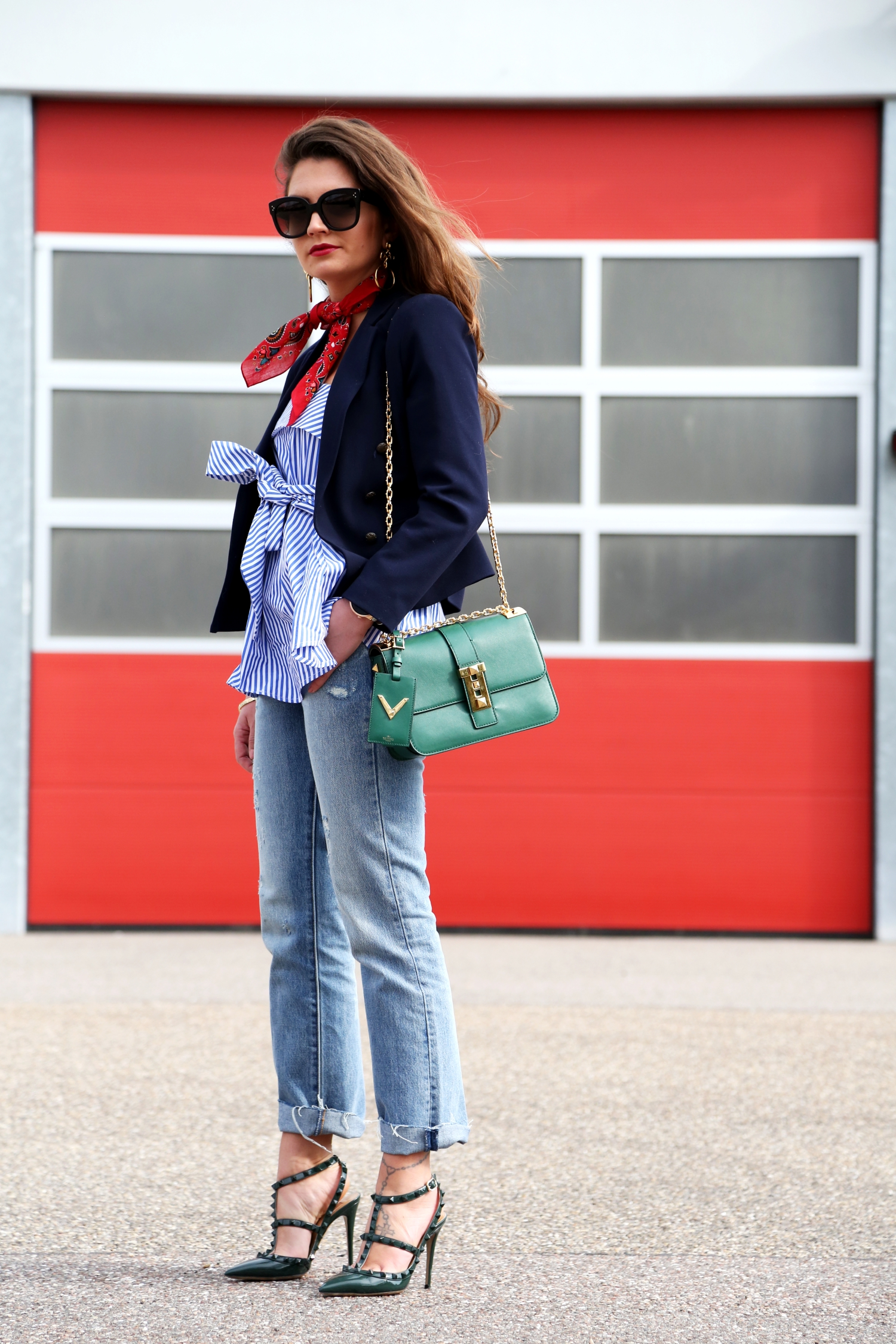 outfit-spring-jeans-stripes-valentino-bag
