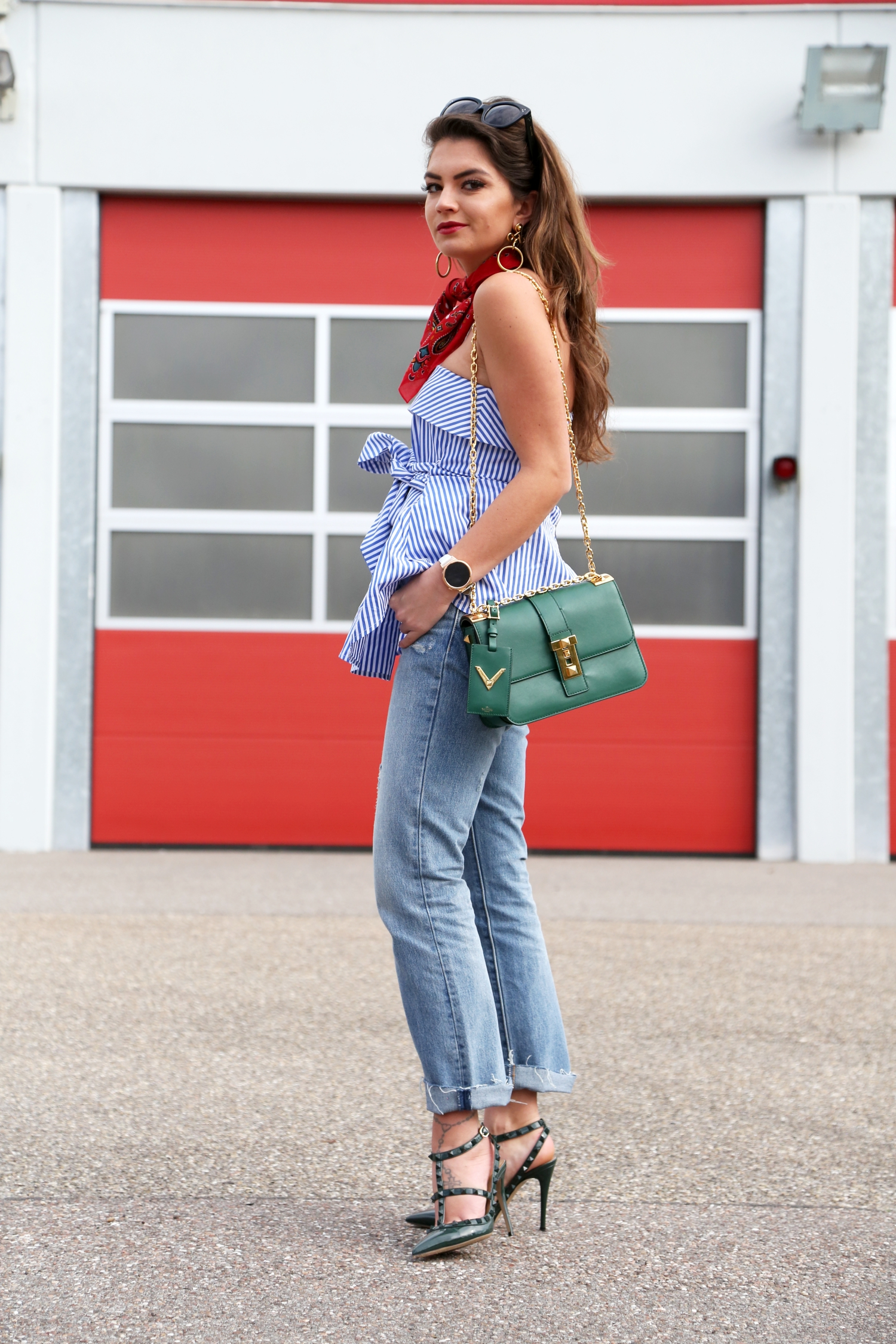 outfit-stripes-valentino-rockstuds-levis-jeans