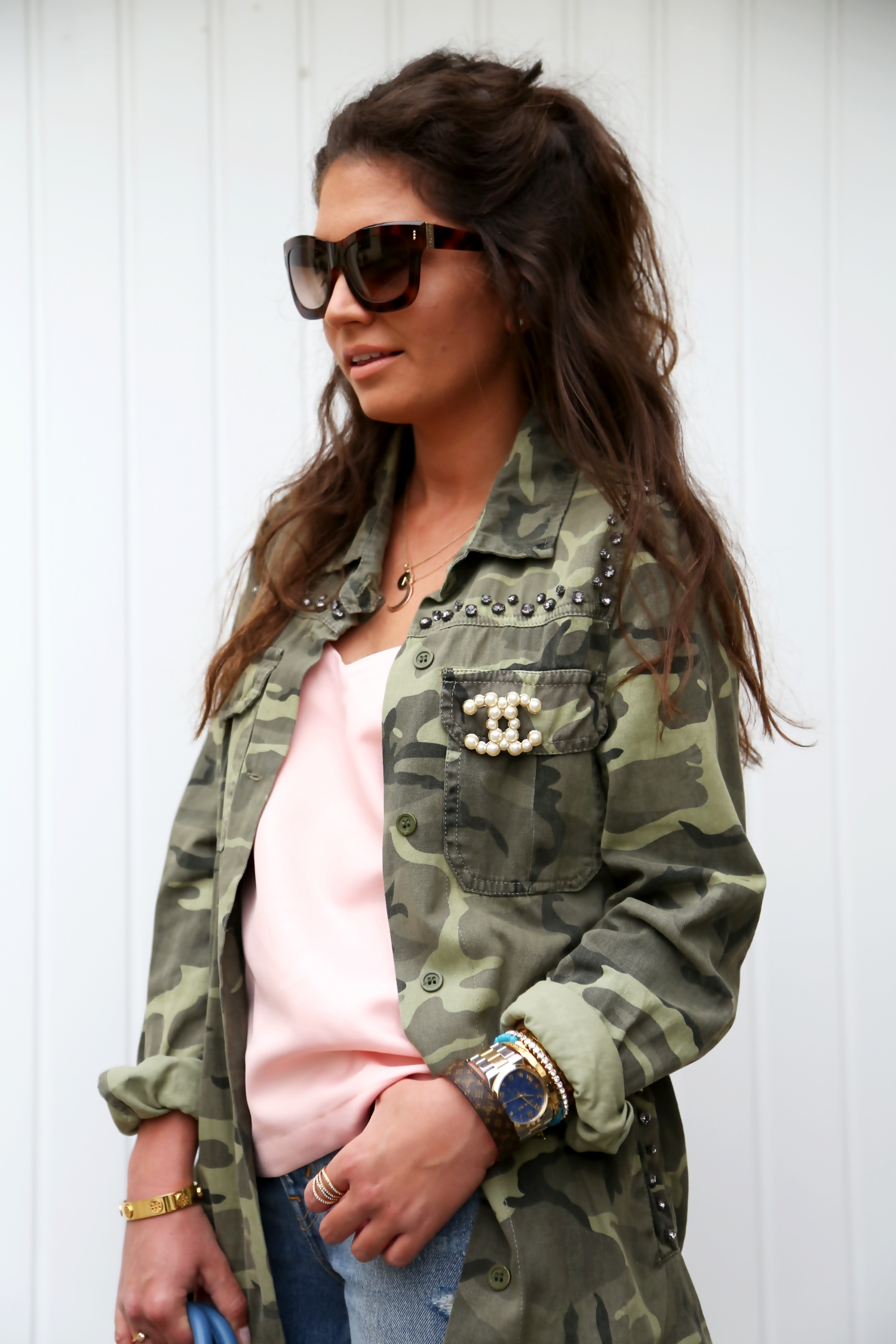 outfit-military-parka-escada-sunglasses