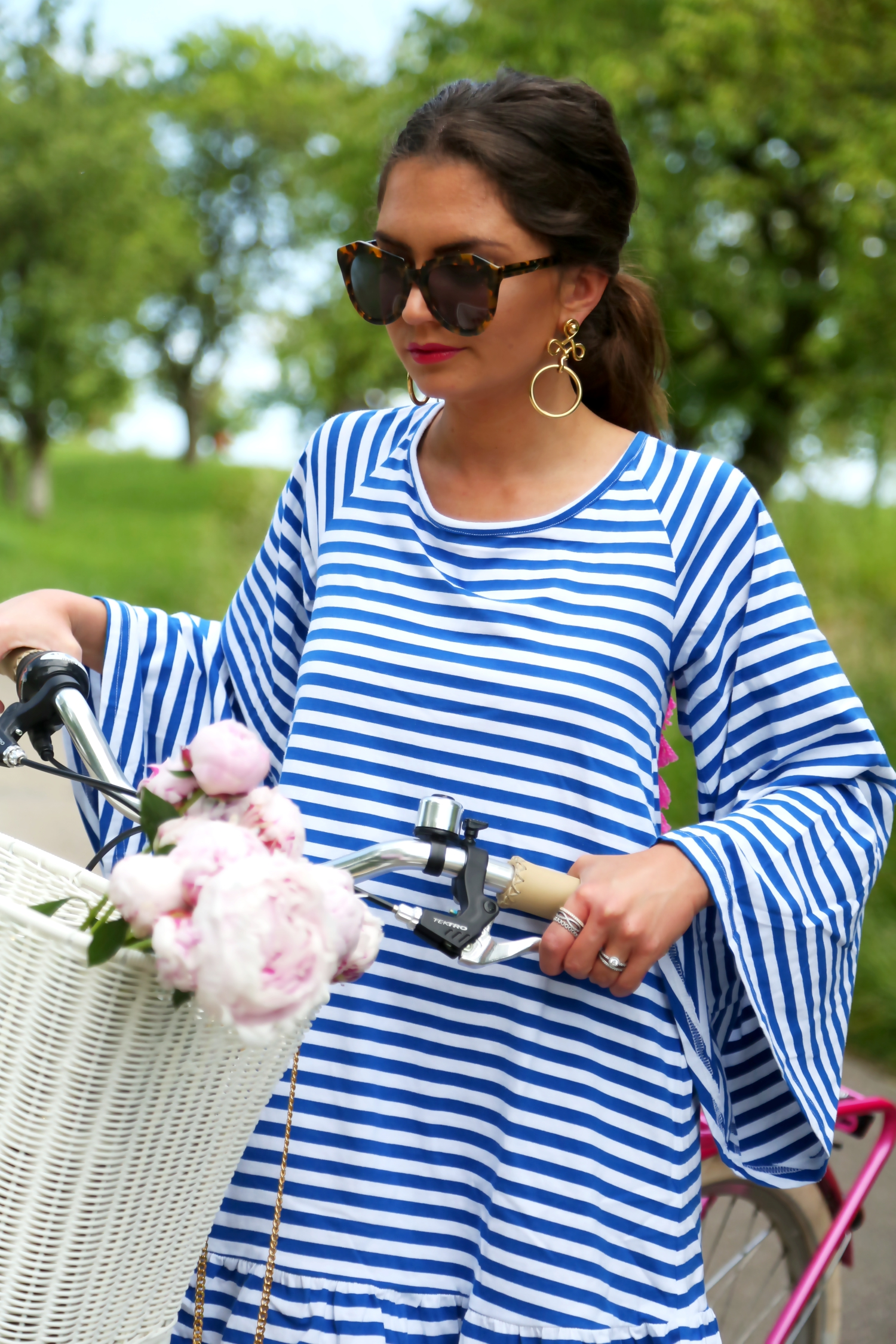 outfit-stripes-tassel-dress-spring-summer-look-fashionblogger-germany-bike-tour