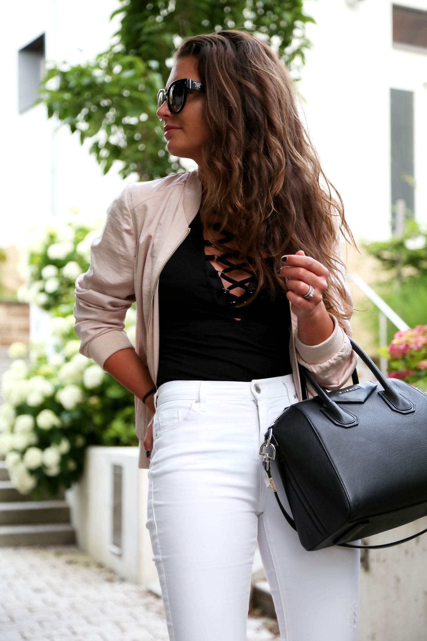 outfit-bomber-jacket-glamorous-body-shirt-givenchy-antigona-bag